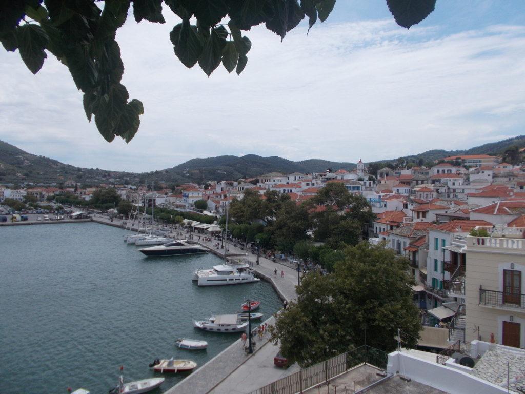 Skopelos port from above - Λιμάνι Σκοπέλου από πάνω